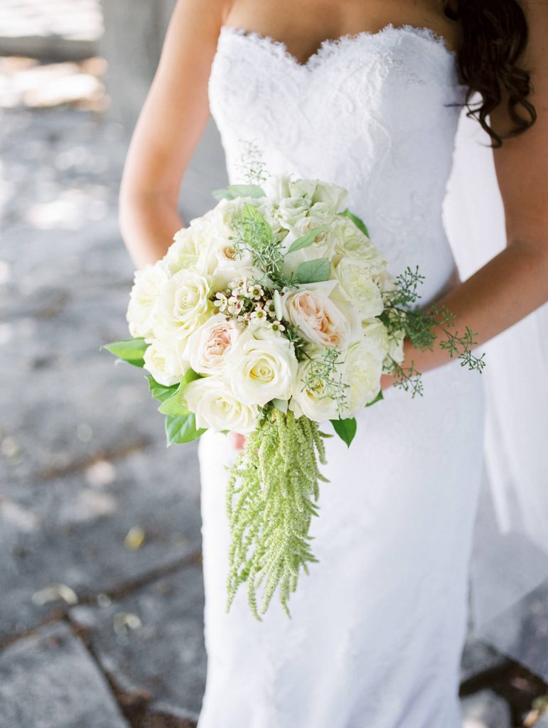 brides bouquet at bellamere winery